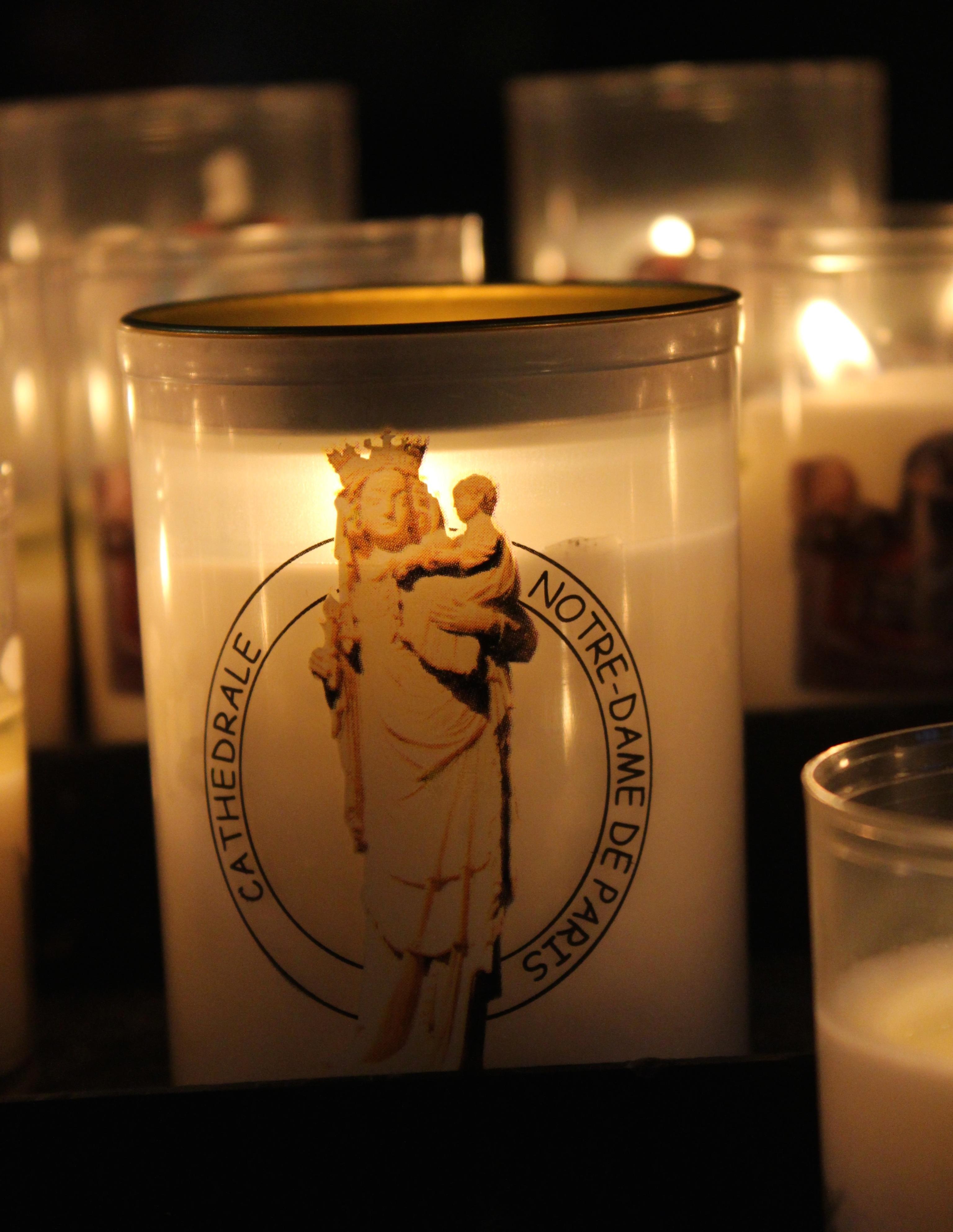 notre dame paris candle