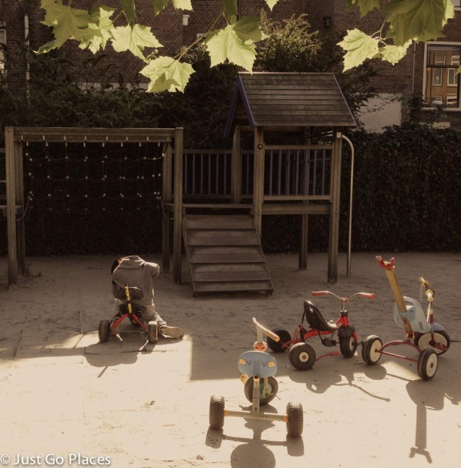 Jordaan courtyard playground