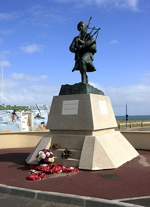 Piper Bill Statue