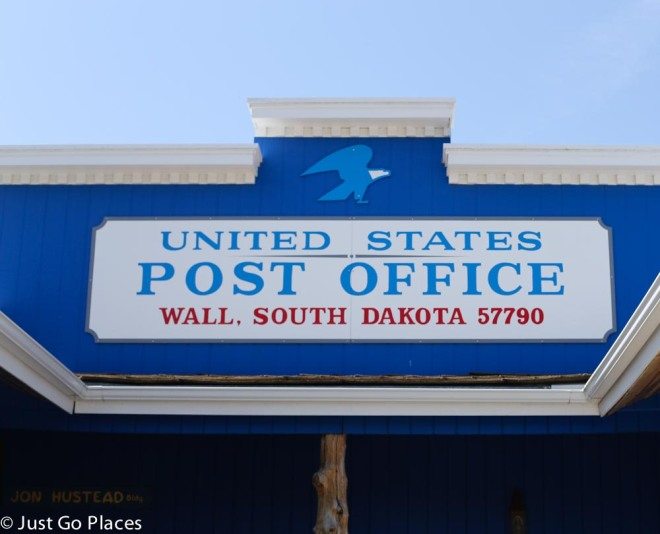 Wall Drug post office