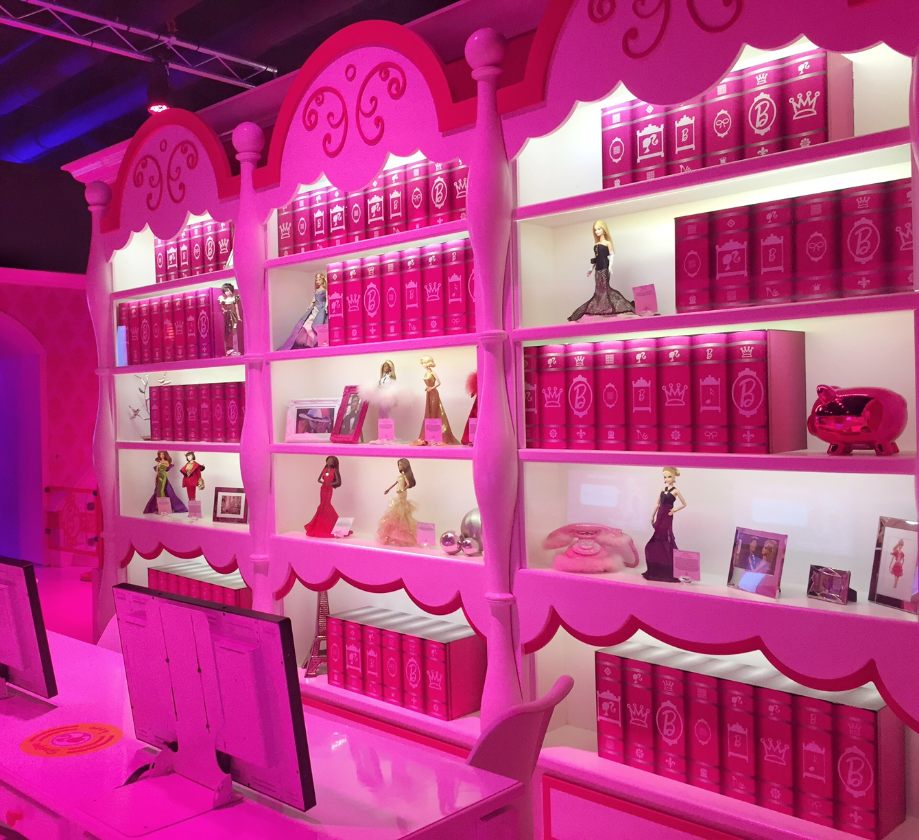 Barbie Dreamhouse living room