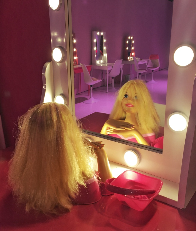 Barbie Dreamhouse make up