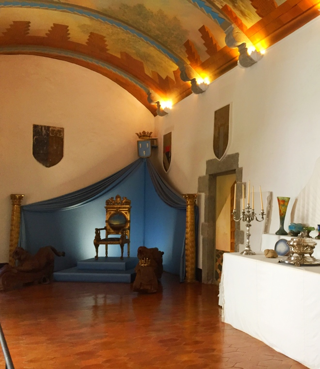 Gala Dali Throne room