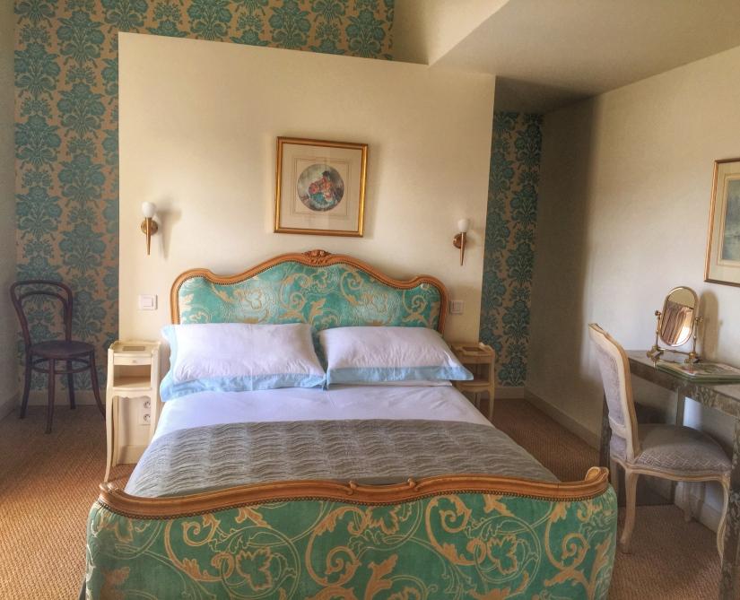Maison Laurent refurbished bed