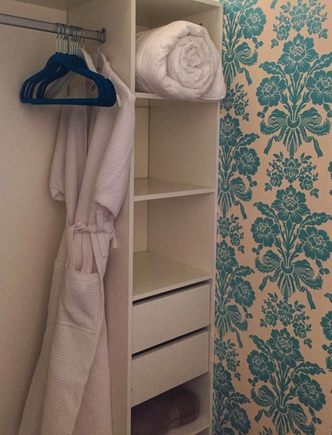 maison laurent bedroom